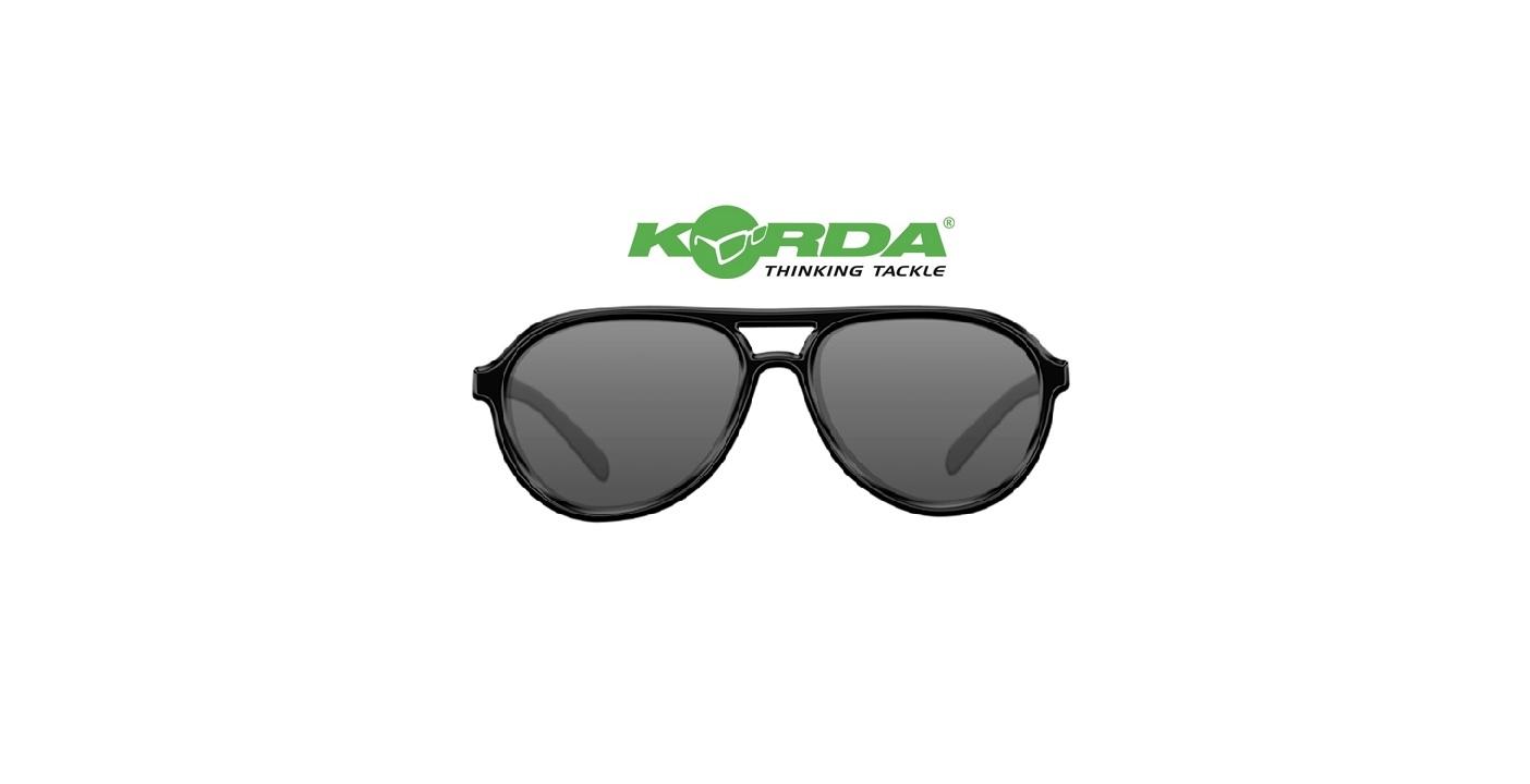 Occhiali da sole Korda Aviator Black Frame lenti grigie cod K4D03